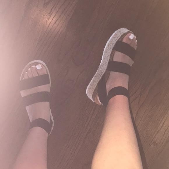 Steve Madden Kimmie Black Sandals